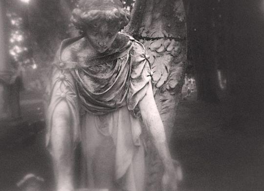 angel over tomb
